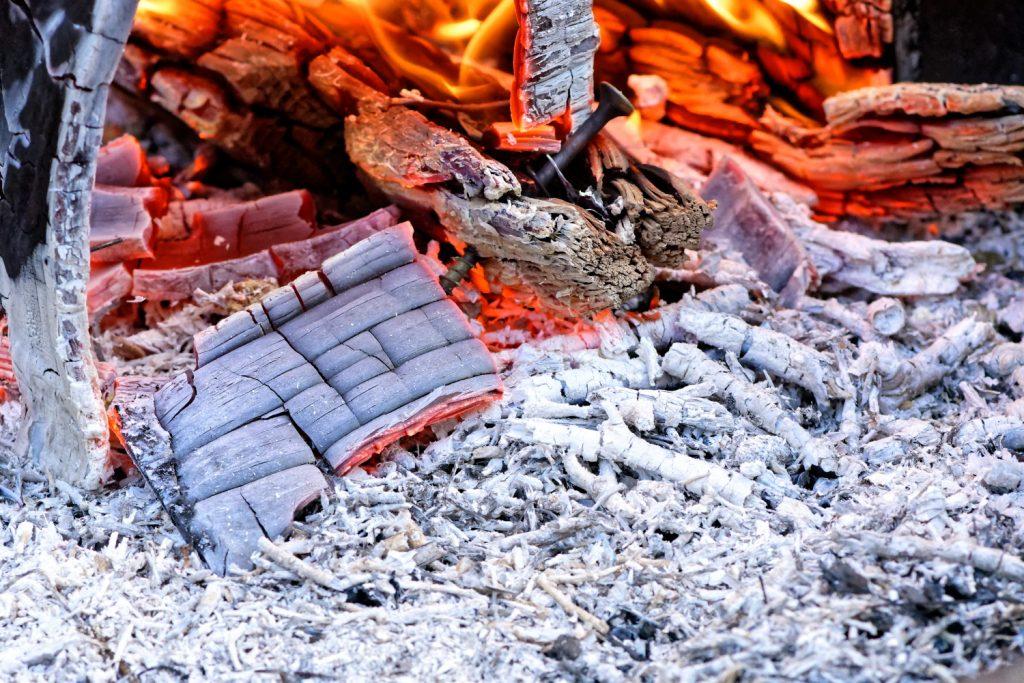 Comment utiliser les cendres de bois ?